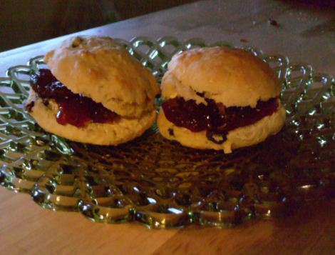 Fruit scone with jam